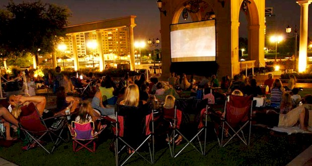Where to find a free outdoor movie in Orlando.  Family movies, classic movies and kids movies for a movie under the stars.  Tips for watching an outdoor movie at AboutOrlando.com