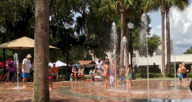 Where to find free splash pads in the Orlando areae. On the list of Free things to do with kids in Orlando from AboutOrlando.com.